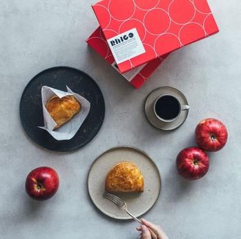 年間休日122日『BAKE』の店長候補募集(正社員)。お菓子の美味しさでお客様をワクワクさせよう!